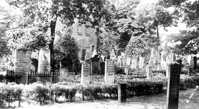 juedische-friedhofshalle-elmshorn